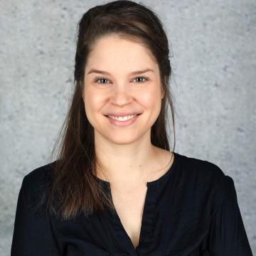 Laura Deinzer